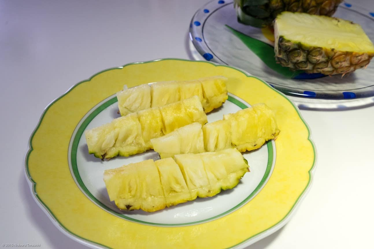 石垣島産生パインアップルは甘〜くて、ジューシー、舌がピリピリ痛いほど刺激的!