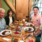 森のレストラン天満(てんまん)@えこりん村(恵庭市)でサラダバー・薔薇華麗(バラカレー)を味わう